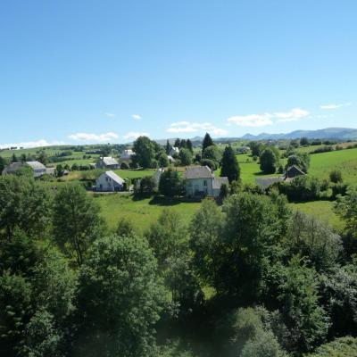 Lugarde vue du Train Gentiane